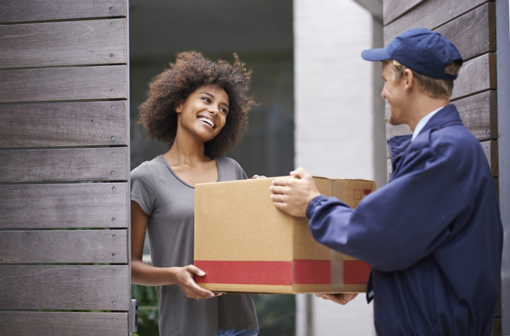 Parcel_Delivery_Happy_Customer-1024x675-2