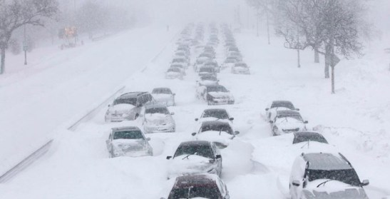 snow-storms-wrecks-whole-of-us-states-in-cold-weather-e1416401084804